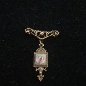 Lovely Vintage Brooch w porcelain Pink Rose